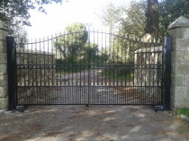 Estate gates with automation